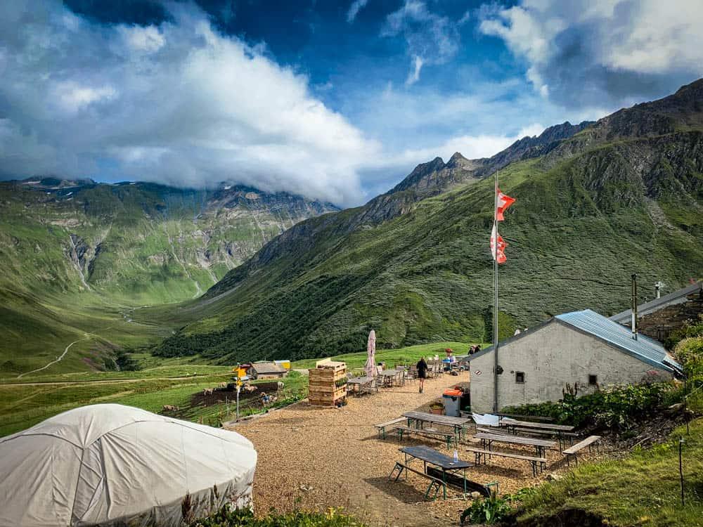 Swiss refuges tmb